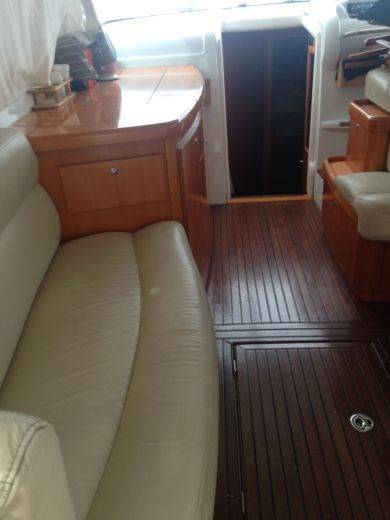 Charter Motorboat Beneteau Antares 42 Marseille