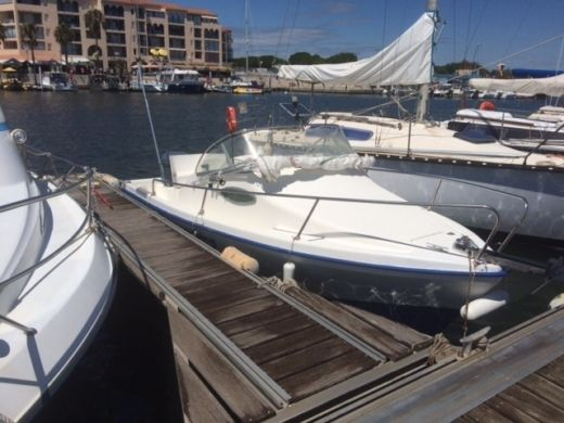 Motorboat SBPEM Eurofish 520 Day Cruiser for hire