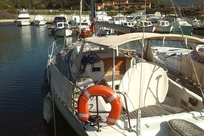 Hire Sailboat BENETEAU FIRST 38 Castelsardo