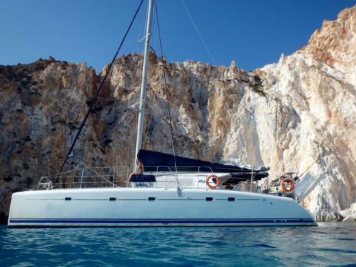 Dufour Nautitech 475 in Milos for rental