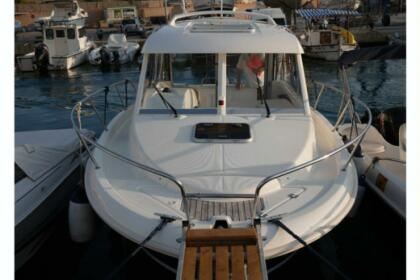 Hire Motorboat Jeanneau Merry Fisher 725 Hb Toulon