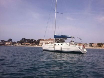 Rental Sailboat Beneteau Oceanis 323 Clipper Hyères