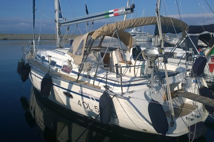Hire Sailboat BAVARIA 39 La Maddalena