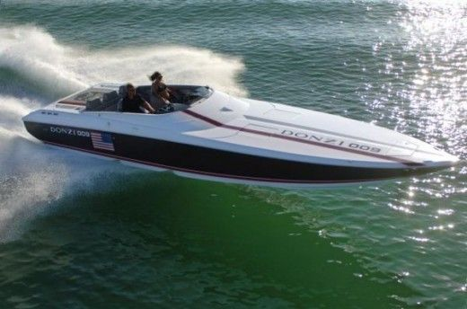 Motorboat Donzi 35 Zr for hire