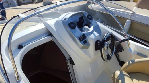 Beneteau Flyer 550 Sundeck in Antibes for hire