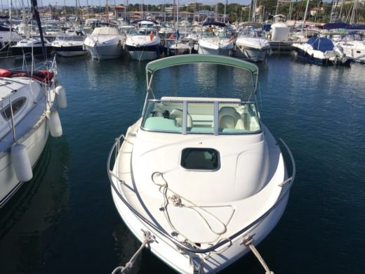 Motorboat JEANNEAU Leader 605 for hire