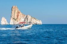 Oceanic 4.70 in Milos for hire