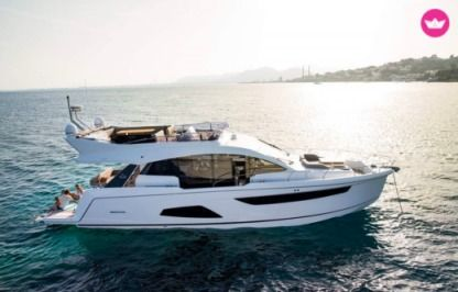 Charter Motorboat Sealine F530 Alicante