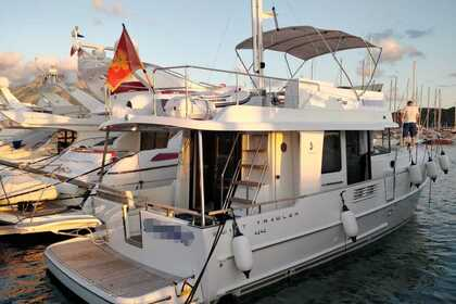 Rental Motorboat Beneteau Swift Trawler 44 Bar