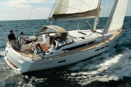 Hire Sailboat Jeanneau Sun Odyssey 509 with A/C Plattsburgh