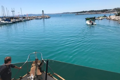Hire Motorboat American Marine Grand Banks 42 Classic Antibes