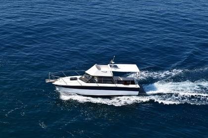 Charter Motorboat SEA RAY Sedan Bridge 245 Dubrovnik