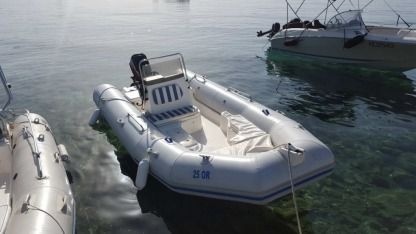 Rental RIB Zodiac Medline 1 Orebić