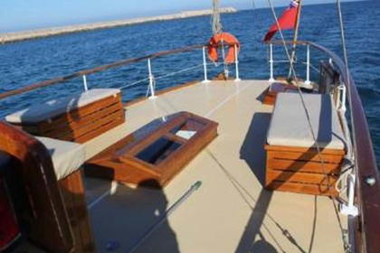 Rental Sailboat OM WATTS OM WATTS 55 Valencia