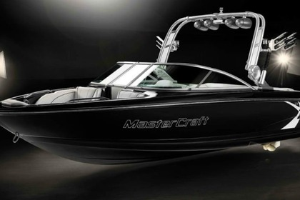 Hire Motorboat Mastercraft X15 New Buffalo