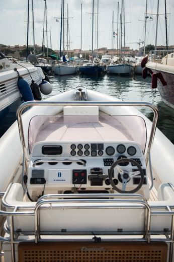 Chasecraft Genius in Saint-Tropez for rental