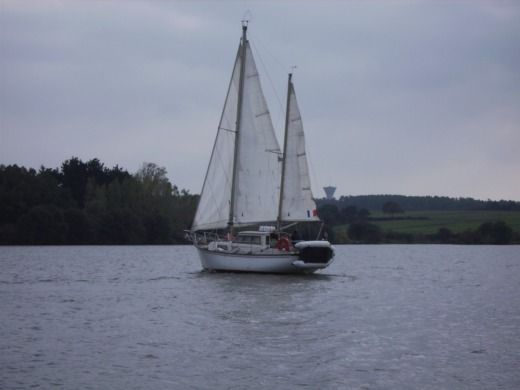 Charter sailboat in Arzal peer-to-peer