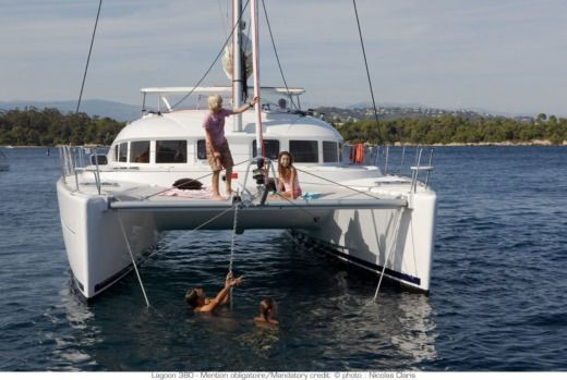 Rental catamaran in Betina