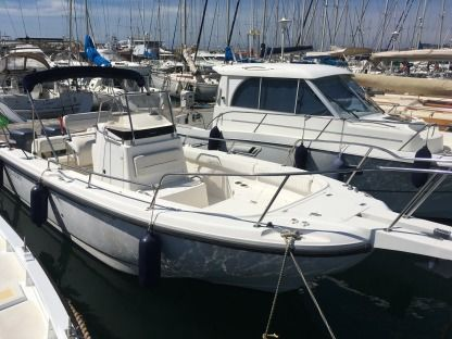 Charter Motorboat Boston Whaler 26 Outrage Marseille