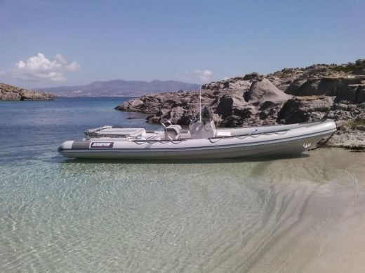 Gommone Scorpion 8,60 tra privati