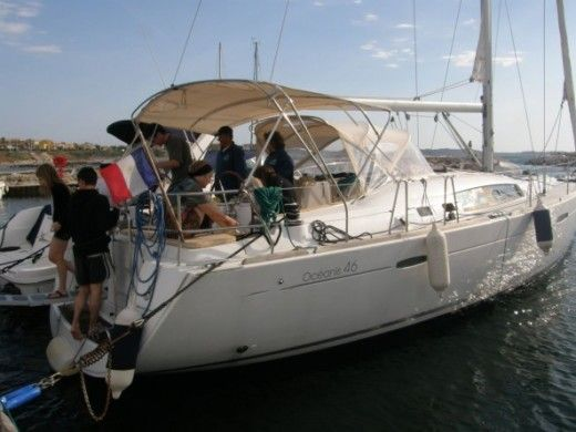BENETEAU OCEANIS 46 in Six-Fours-les-Plages for hire