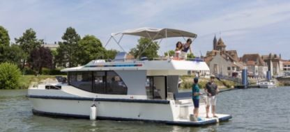 Rental Houseboat Horizon I Chertsey