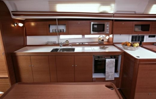 Sailboat DUFOUR 375 GL Camargue for hire