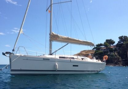 Charter Sailboat Dufour 335 Grand Large Argelès-sur-Mer