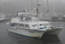 Charter catamaran in Auray