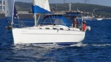 Rental Sailboat Beneteau Cyclades 39 Hyères
