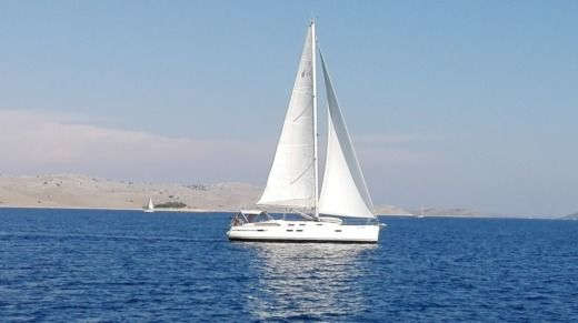 Sailboat Bavaria 45 Cruiser peer-to-peer