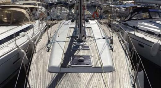 Sailboat Dufour 45 Performance for hire