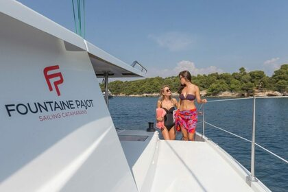 Hire Catamaran FOUNTAINE PAJOT HELIA 44 Road Town