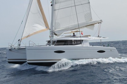 Hire Catamaran Fountaine Pajot Helia 44 S'Arenal