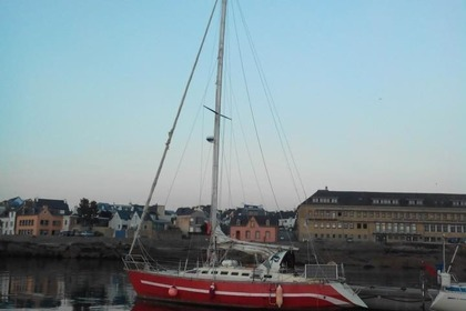Charter Sailboat Chantier Guillon Trirem 35 Concarneau