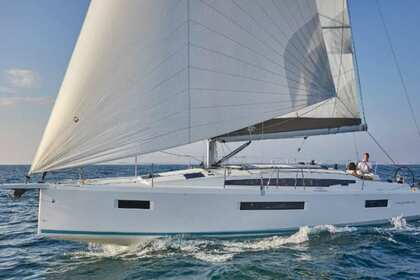 Rental Sailboat Jeanneau SUN ODYSSEY 410 Arzon