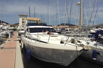 Charter Motorboat GUY COUACH 1601 FLY Saint-Tropez