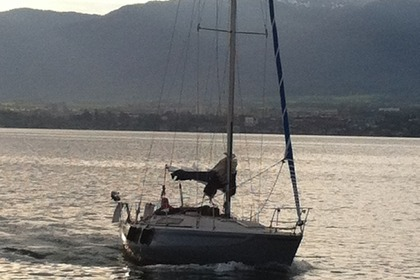 Hire Sailboat BENETEAU FIRST 30 Geneva