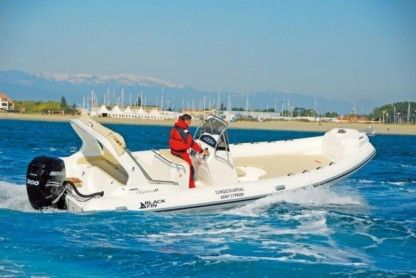 Charter Motorboat Nuova Jolly Black Find 25 Elegance Saint-Cyprien