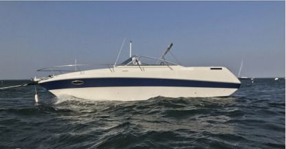 Charter Motorboat Four Winns 255 Sundowner Arcachon