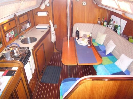 Sailboat Jeanneau Sun Light for hire