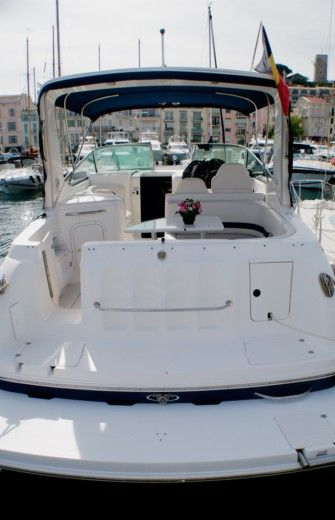 CHAPARRAL 300 SIGNATURE in Cannes for hire