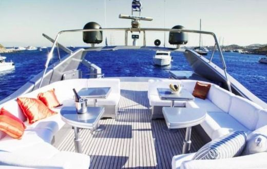 Motorboat Posillipo Technema 80 Flybridge for hire