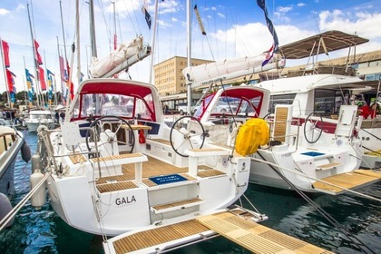 Rental Sailboat Beneteau  Oceanis 35 Split