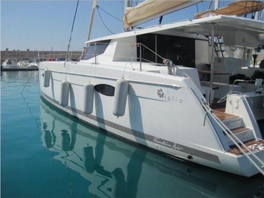 Catamarano Fountaine Pajot Helia 44