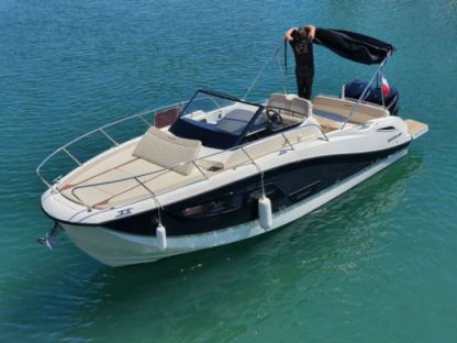 Rental Motorboat Quicksilver 875 Sundeck Fréjus