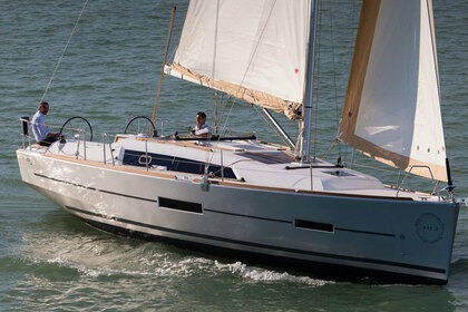 Charter Sailboat DUFOUR DUFOUR 382 GRAND LARGE Hamble-le-Rice