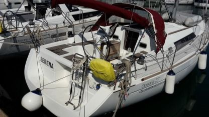 Rental Sailboat Beneteau Oceanis 37 Pomer