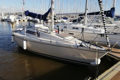 Rental Sailboat Beneteau First 27 Arzal