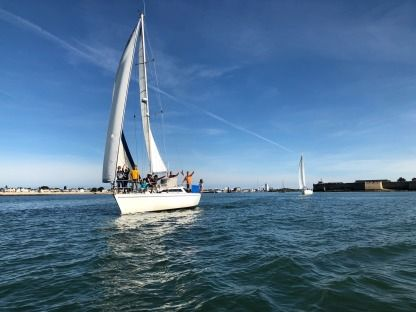 Charter Sailboat Gibsea 92 Lorient